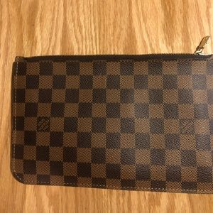 louis vuitton neverfull pochette wristlet